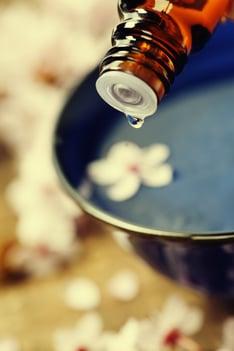 essential-oil-dropper